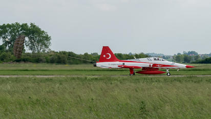 71-3049 - Turkey - Air Force : Turkish Stars Canadair NF-5A