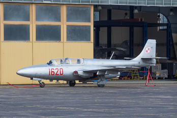 1620 - Poland - Air Force PZL TS-11 Iskra