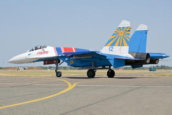 "12 - Russia - Air Force ""Russian Knights"" Sukhoi Su-27P"