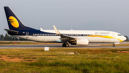 VT-JFB - Jet Airways Boeing 737-86X(WL)