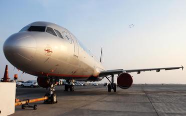 UR-CPM - Kish Air Airbus A321