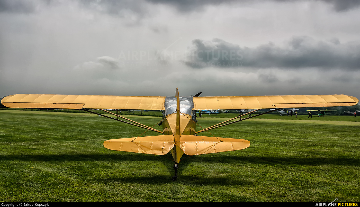 Private G-AHAO aircraft at Athboy (Ballyboy)