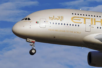 A6-APA - Etihad Airways Airbus A380