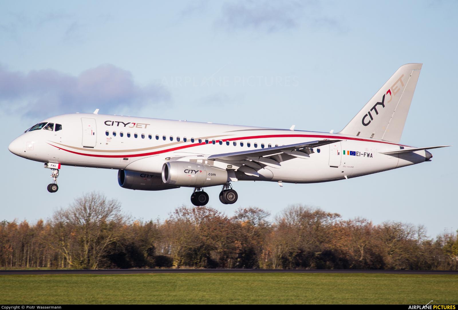 CityJet EI-FWA aircraft at Newcastle