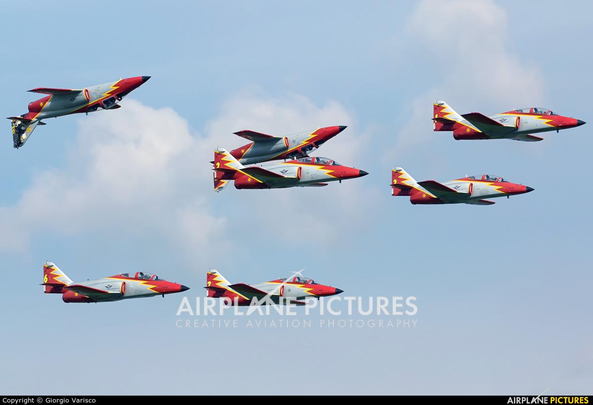 Spain - Air Force : Patrulla Aguila E.25-08 aircraft at Zeltweg