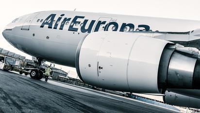 EC-JZL - Air Europa Airbus A330-200