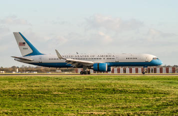 98-0003 - USA - Air Force Boeing C-32A