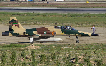 3-7174 - Iran - Islamic Republic Air Force Northrop F-5F Tiger II