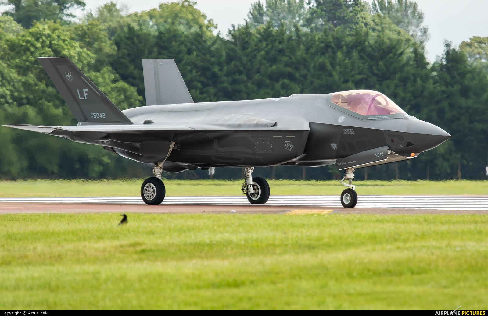 USA - Air Force 12-5042 aircraft at Fairford
