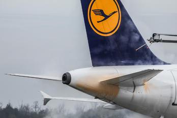 D-AILY - Lufthansa Airbus A319