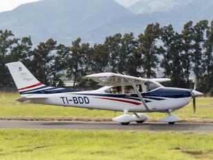 TI-BDD - Private Cessna 182T Skylane