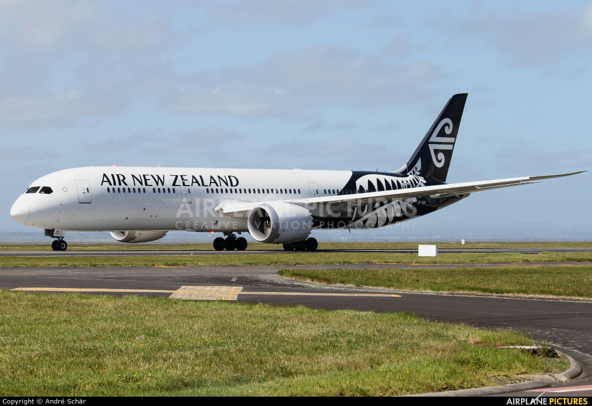 Air New Zealand ZK-NZD aircraft at Auckland Intl