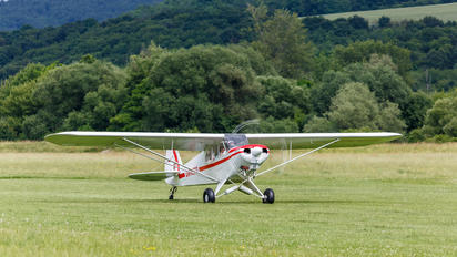 OM-M323 - Private Piper L-18 Super Cub