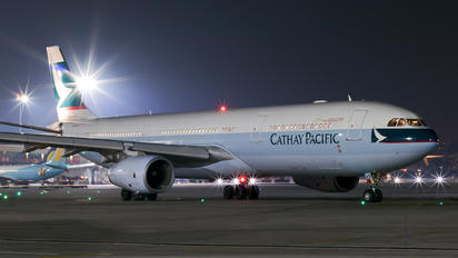 B-LAX - Cathay Pacific Airbus A330-300