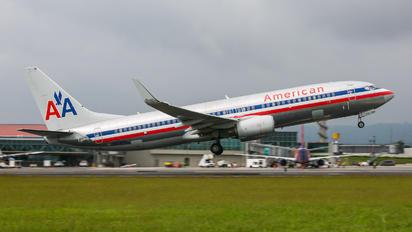 N858NN - American Airlines Boeing 737-800
