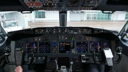 - - Norwegian Air International Boeing 737-800
