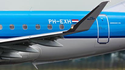 PH-EXH - KLM Embraer ERJ-175 (170-200)