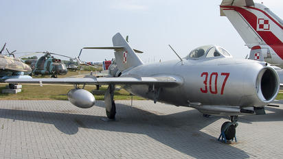 307 - Poland - Air Force PZL Lim-2