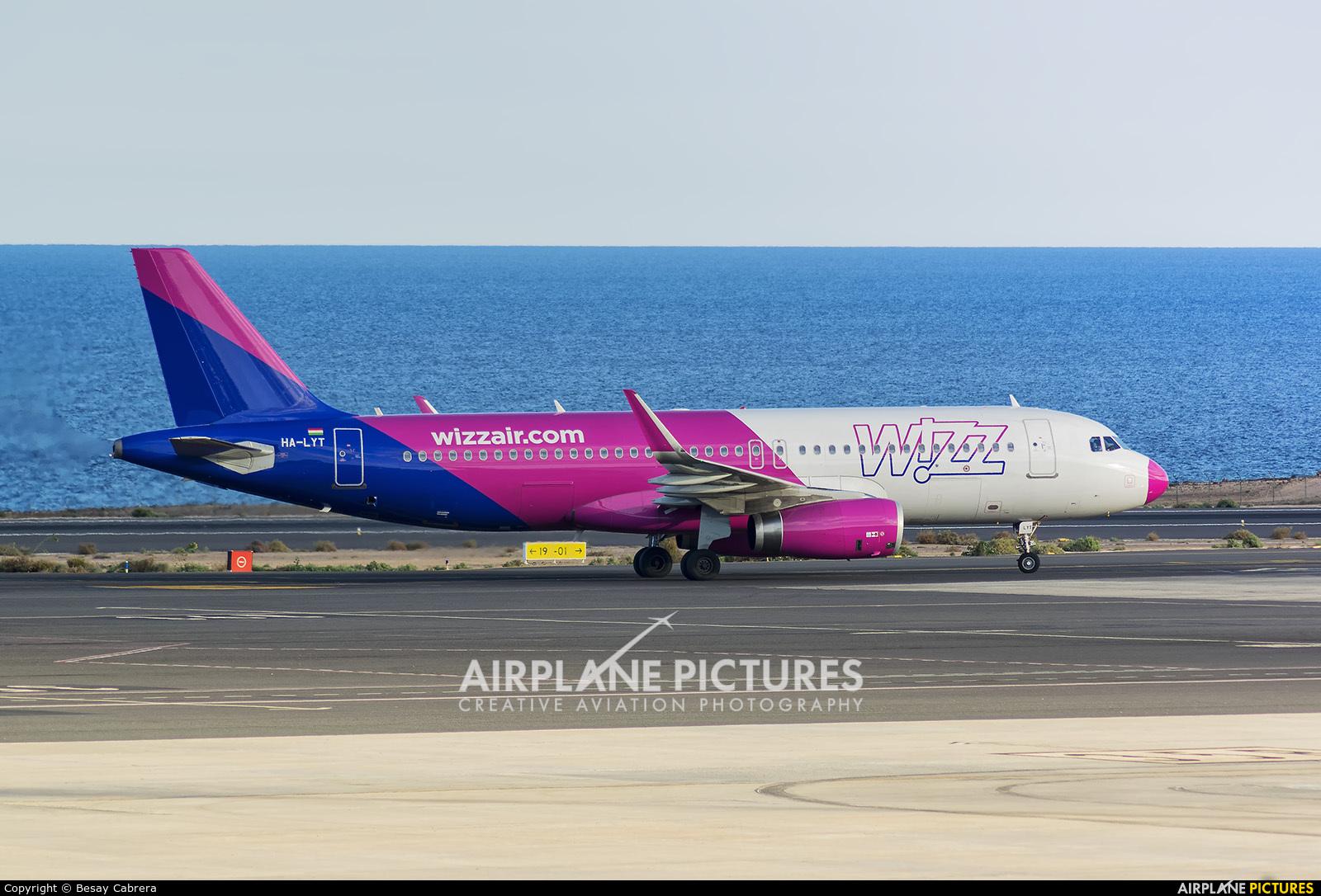 Wizz Air HA-LYT aircraft at Fuerteventura - Puerto del Rosario