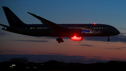 JA809A - ANA - All Nippon Airways Boeing 787-8 Dreamliner