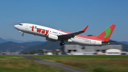 HL8268 - T'Way Air Boeing 737-800