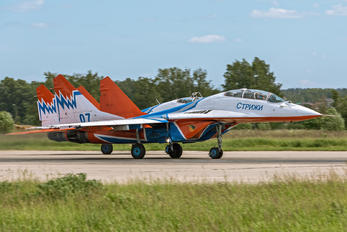 "07 - Russia - Air Force ""Strizhi"" Mikoyan-Gurevich MiG-29UB"