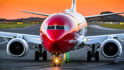 LN-NGV - Norwegian Air Shuttle Boeing 737-800