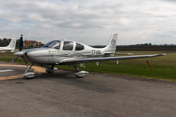 T7-IAC - Private Cirrus SR22