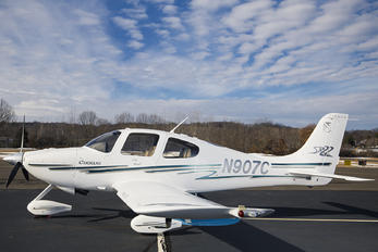 N907C - Private Cirrus SR22