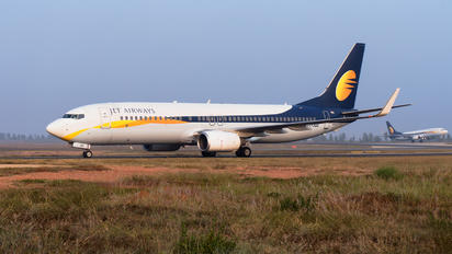 VT-JGG - Jet Airways Boeing 737-800