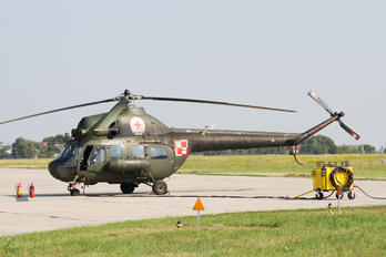 2706 - Poland - Air Force Mil Mi-2