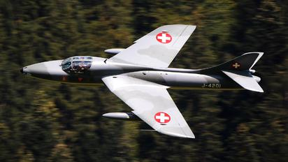 J-4201 - Private Hawker Hunter T.68