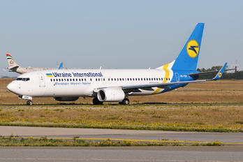 UR-PSR - Ukraine International Airlines Boeing 737-800