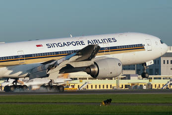 9V-SQF - Singapore Airlines Boeing 777-200ER