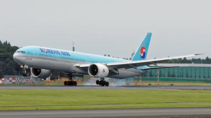 HL8009 - Korean Air Boeing 777-300ER