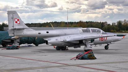 1617 - Poland - Air Force PZL TS-11 Iskra