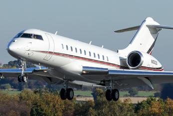 N100QS - Netjets (USA) Bombardier BD-700 Global 5000