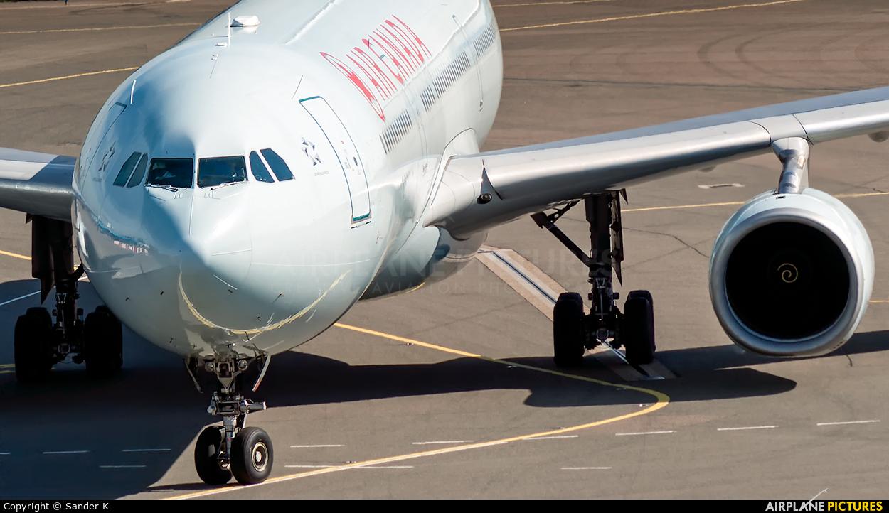 Air Canada C-GHKX aircraft at Amsterdam - Schiphol