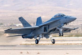 168929 - USA - Navy Boeing F/A-18F Super Hornet