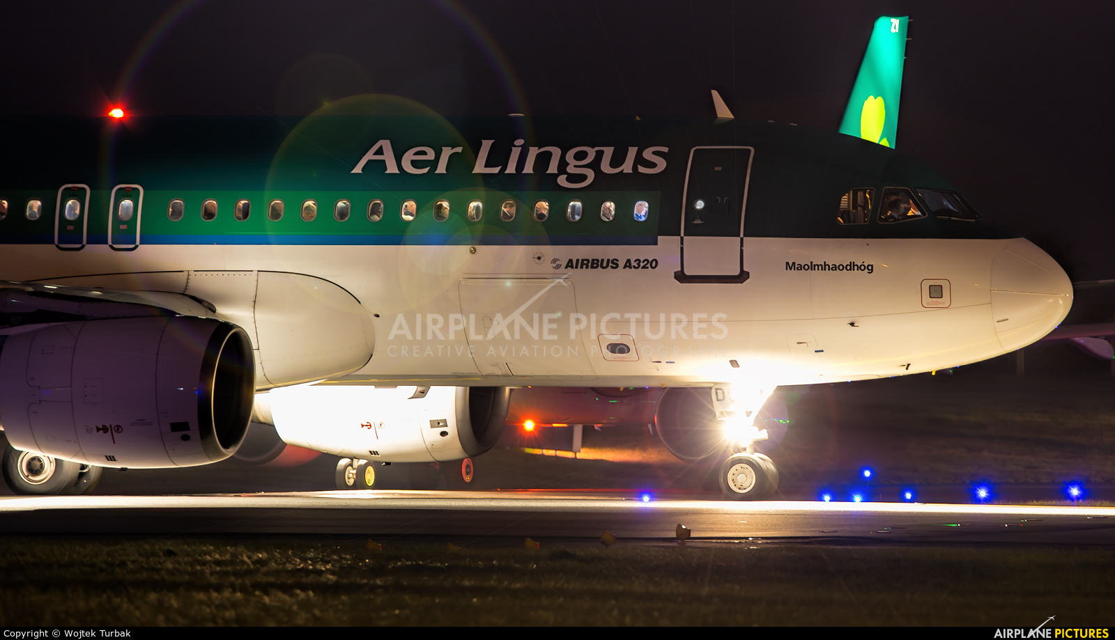 Aer Lingus EI-EDS aircraft at Dublin