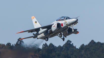 36-5695 - Japan - Air Self Defence Force Kawasaki T-4