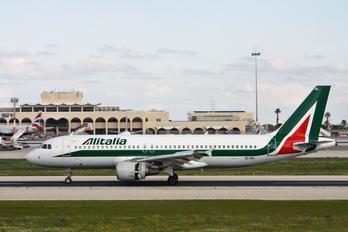 EI-IKL - Alitalia - Airport Overview - Runway, Taxiway
