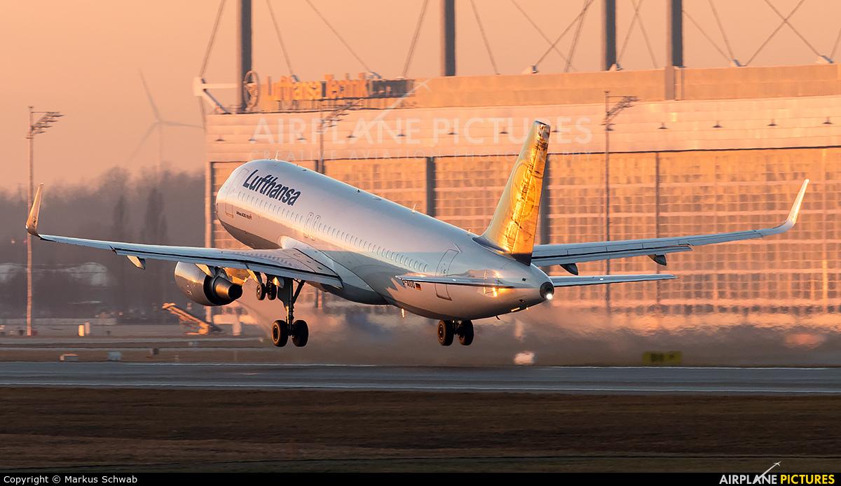 Lufthansa D-AIUQ aircraft at Munich