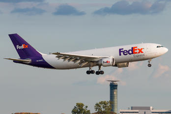 N725FD - FedEx Federal Express Airbus A300F