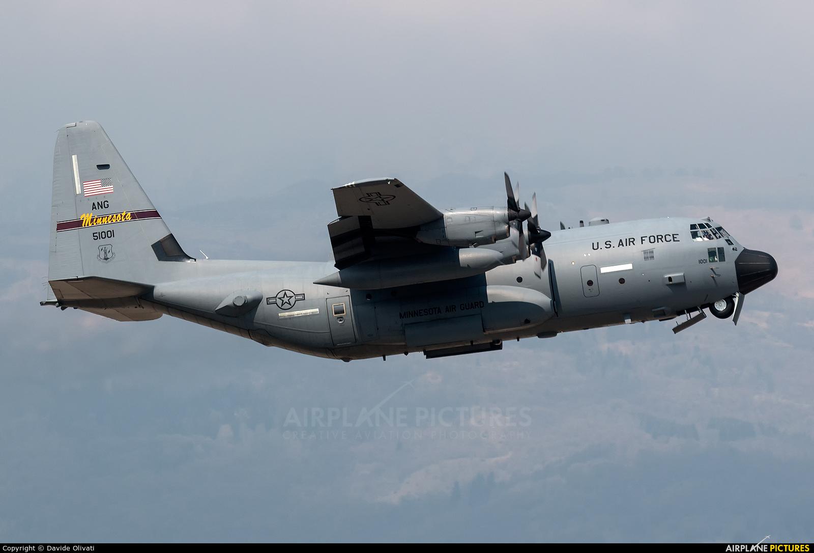 USA - Air Force 95-1001 aircraft at Aviano