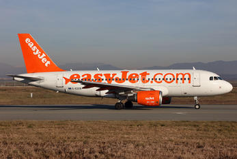 G-EZEB - easyJet Airbus A319