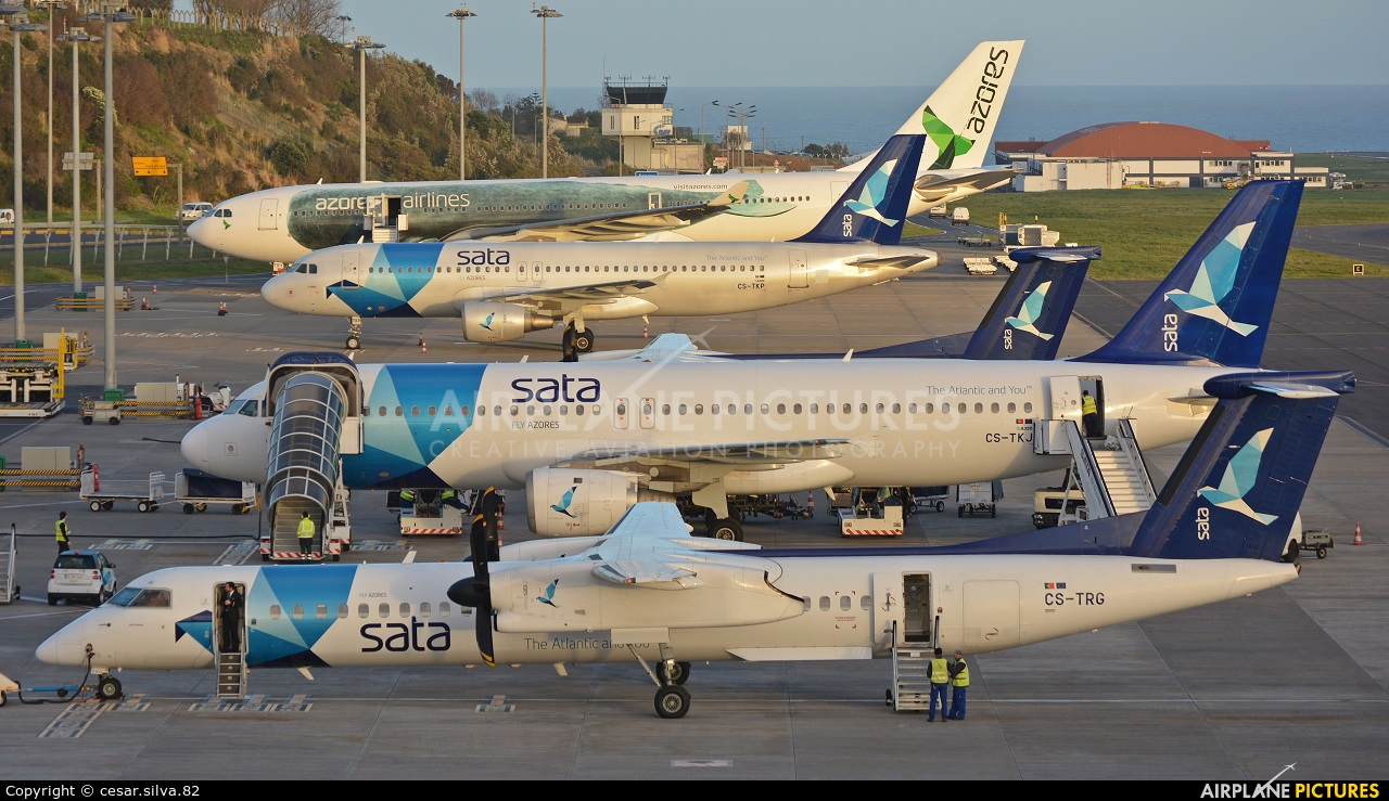 - Airport Overview - aircraft at Azores - Ponta Delgada