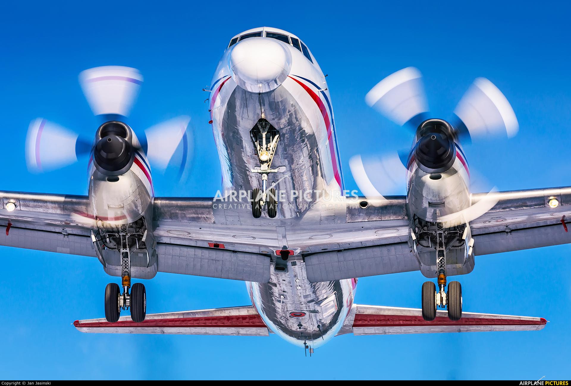 c-fnrc - nrc - cnrc convair cv-440 metropolitan at ottawa