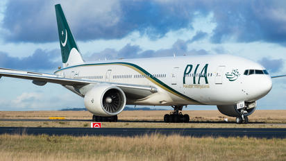 AP-BGJ - PIA - Pakistan International Airlines Boeing 777-200ER