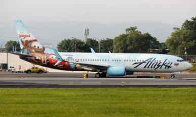 N570AS - Alaska Airlines Boeing 737-800